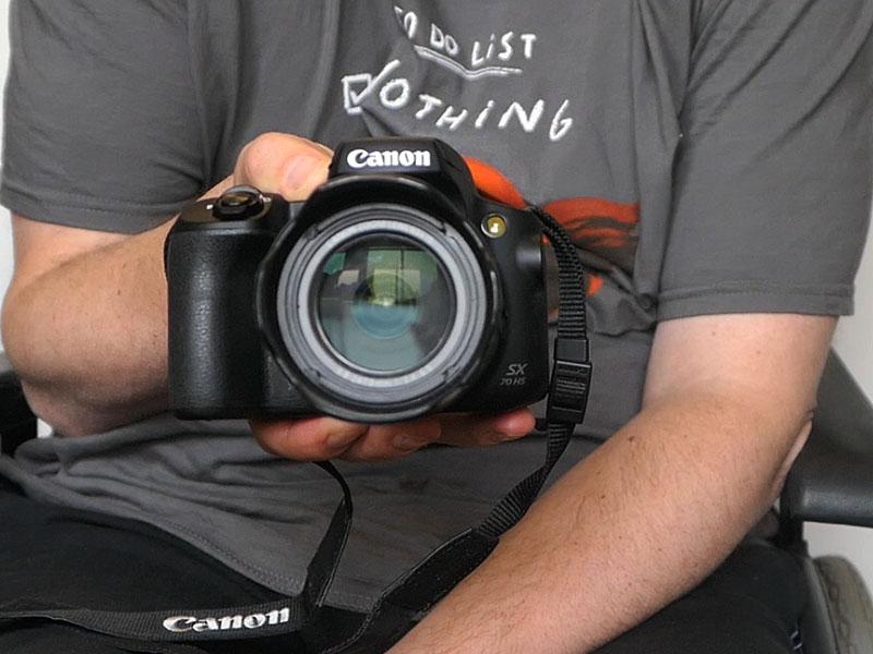Canon PowerShot SX70HS - Großzügiger Griff